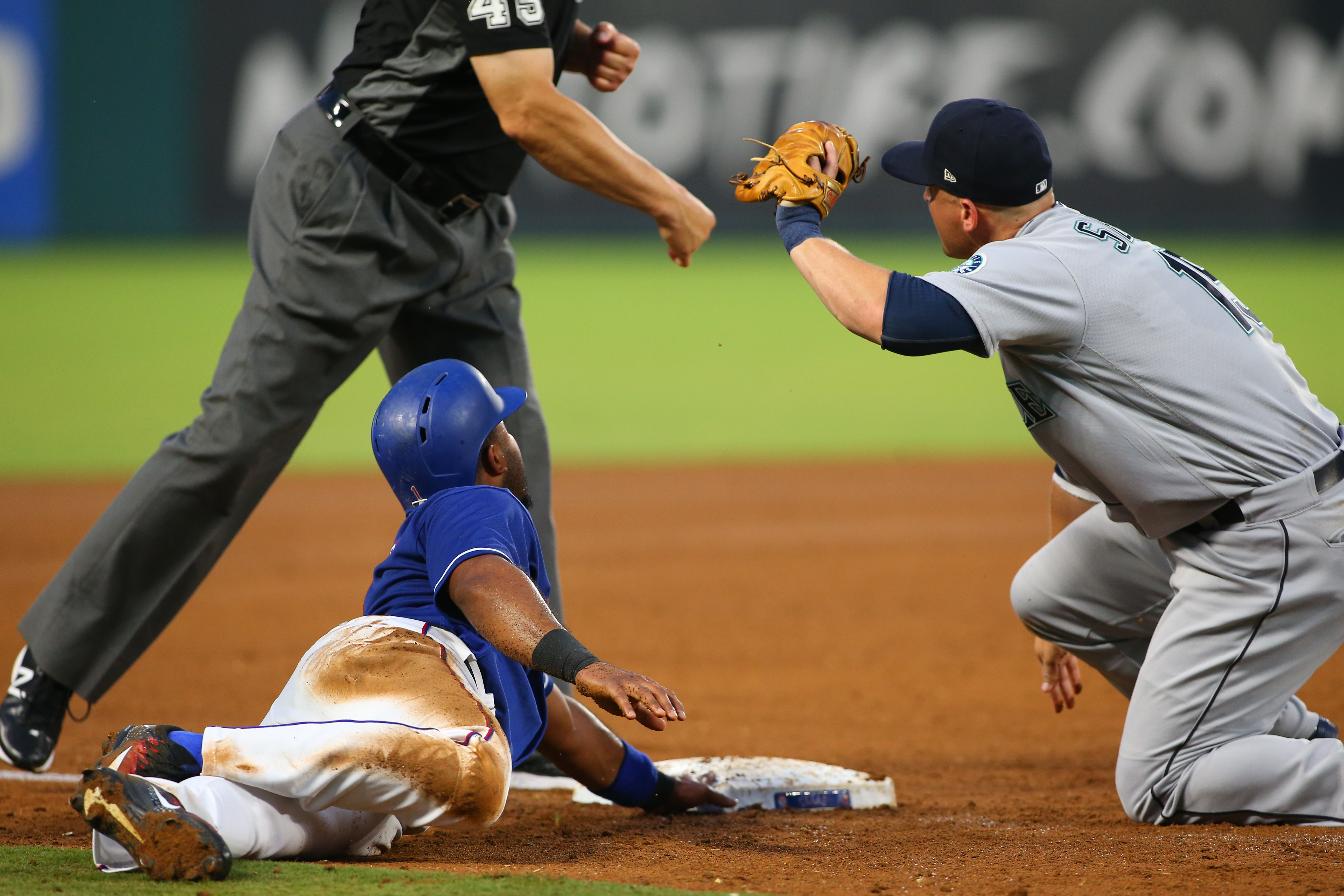 Mariners back at .500 after loss to Royals